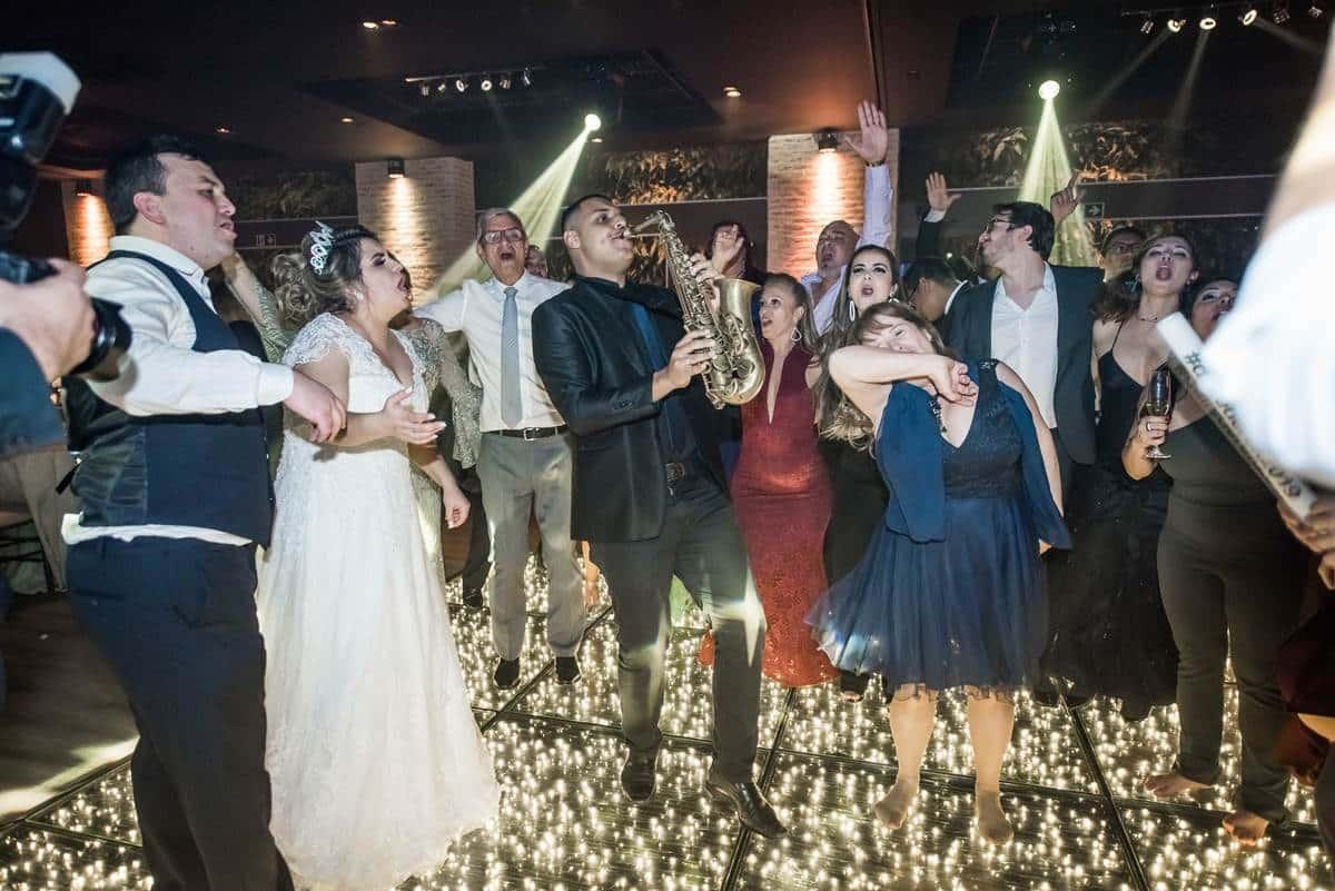 5 motivos para ter uma banda de casamento